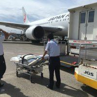 飛行機 患者搬送